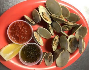 Jolly Roger Pub & Marina Ocracoke, Pamlico Clams