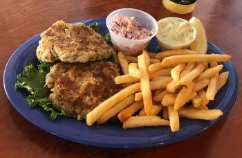 Jolly Roger Pub & Marina Ocracoke, Captain's Crab Cakes